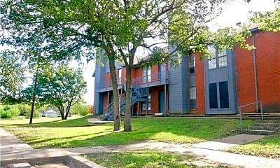 Building, 805 W Walnut St 13, 1