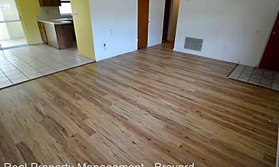 Living Room, 226 Hollywood Boulevard, 2