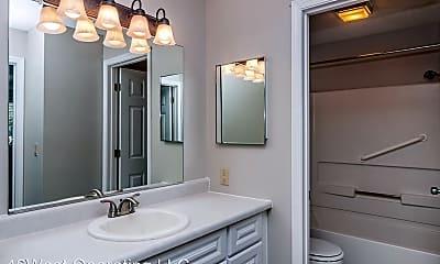 Bathroom, 2301 W. 46th St, 1