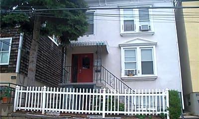 Building, 22 N Astor St 2ND, 0