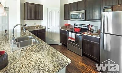 Kitchen, 625 Creekside Way, 2