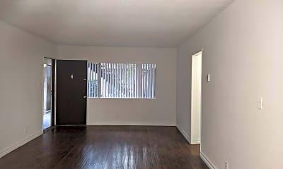 Living Room, 10839 Morrison St, 1
