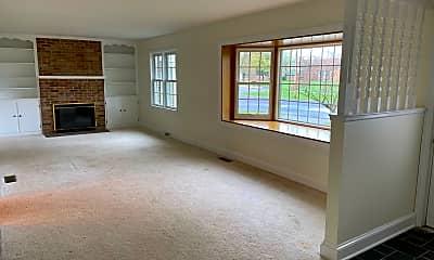 Living Room, 138 Rosemont Cir, 1