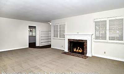 Living Room, 746 N Cambridge St, 0