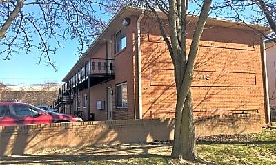 Building, 712 Riverview Dr, 2