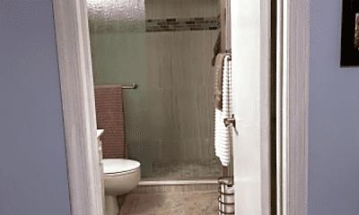 Bathroom, 424 Grove Isle Cir, 2