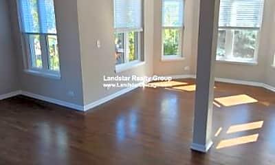 Living Room, 4072 N Sheridan Rd, 1