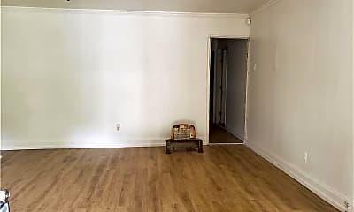 Living Room, 127 Longfellow Ct, 1