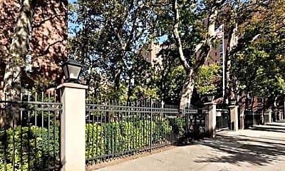 Riverton Square Apartments, 2