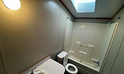 Bathroom, 400 Susan, 2