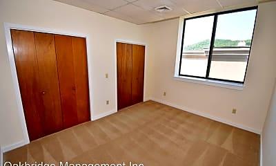 Bedroom, 25 Deforest St, 2