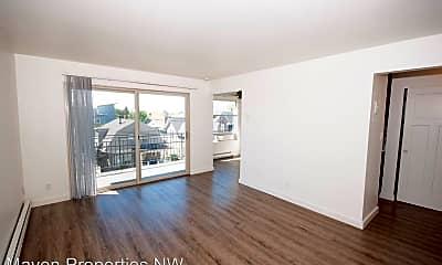 Living Room, 418 12th Ave E, 1