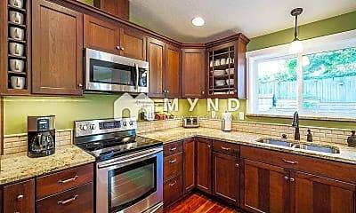 Kitchen, 10406 NE 80th St, 1