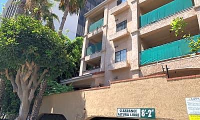 Broadway Plaza Apartments, 2