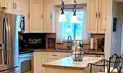 Kitchen, 3331 Farragut St, 1