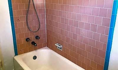 Bathroom, 337 Lime Ave, 2