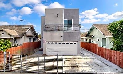 Building, 866 E 46th St, 1