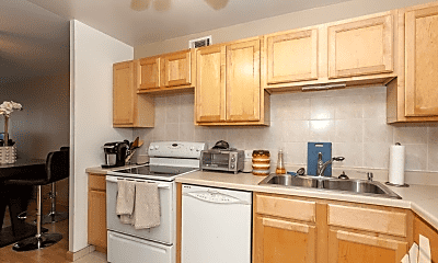 Kitchen, 2020 N Lincoln Ave, 1