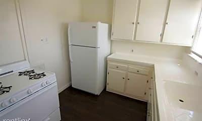Bathroom, 5944 Melrose Ave, 2