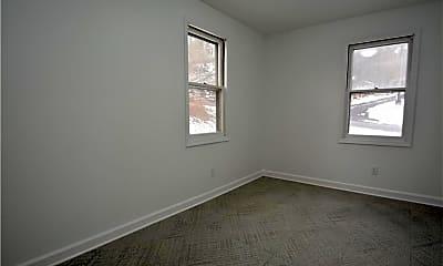 Bedroom, 16 Thayer Rd, 2