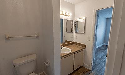 Bathroom, 660 Kenwick Cir, 2