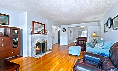 Living Room, 4806 N 13th St, 1