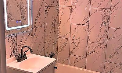 Bathroom, 929 N Main St, 1