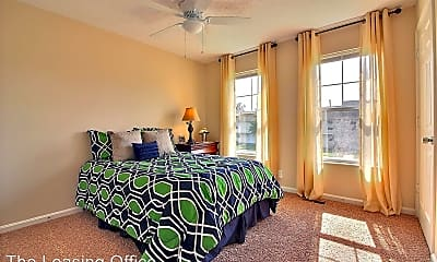 Bedroom, 595 S Governor St, 2