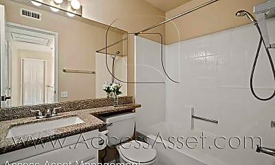 Bathroom, 32440 Beechwood Ln, 2