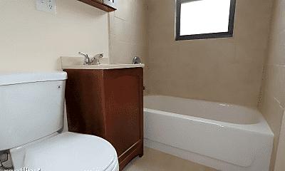 Bathroom, 2904 N Mildred Ave, 2