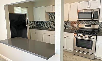Kitchen, 704-724 W 5th St, 1