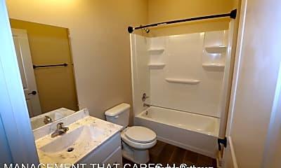 Bathroom, 1655 Madison Ave, 2