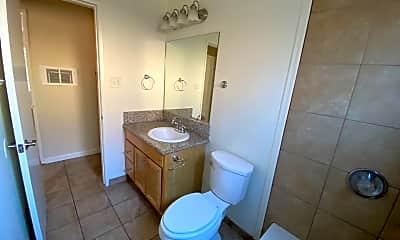 Bathroom, 16133 Woodruff Ave, 2
