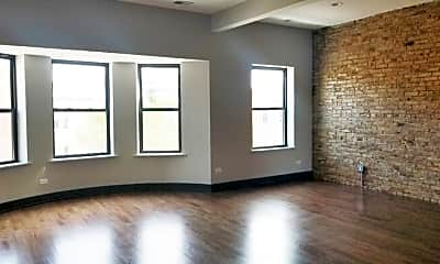Bedroom, 915 W Addison St, 1