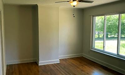 Living Room, 5435 Lantana Ave, 2