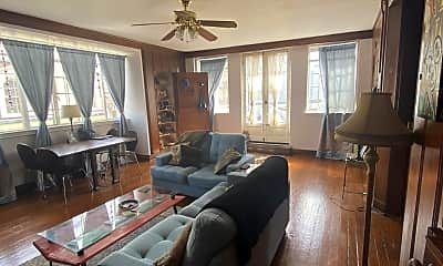 Living Room, 712 St Louis St, 0