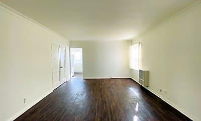 Living Room, 5920 Melrose Ave, 1