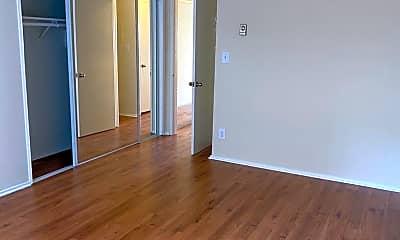 Bathroom, 17320 Burbank Blvd, 2