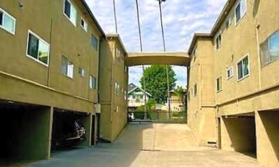 Building, 580 N Los Robles Ave 1, 2