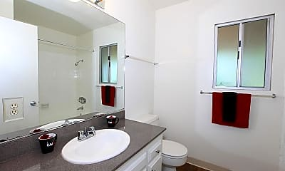 Bathroom, Kimberly Arms Apartment Homes, 2