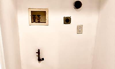 Bathroom, 672 Gannon Ave S 2, 2