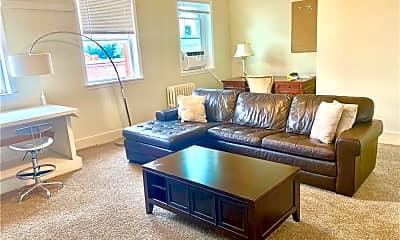 Living Room, 23 North St, 1