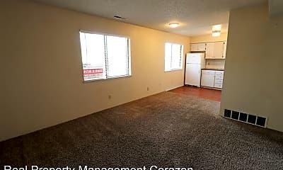 Living Room, 3596 Gypsum Rd, 1