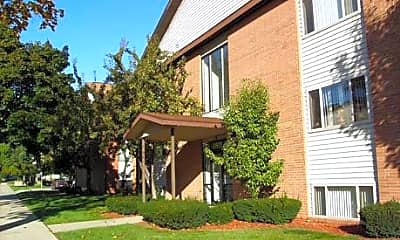 Colonial Place Apartments, 1
