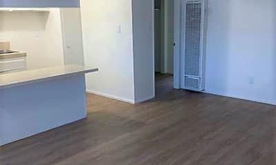 Living Room, 2270 Sepulveda Blvd, 1