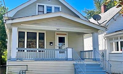 Building, 609 E Amherst St, 0