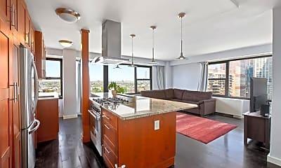 Kitchen, 135 Montgomery St 19G, 0