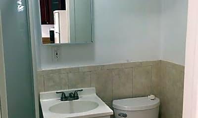 Bathroom, 2333 Powers Ave, 2