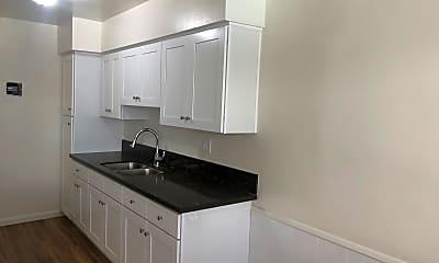 Kitchen, 1400 College View Dr, 1