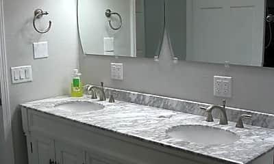 Bathroom, 401 Augusta Ave, 1